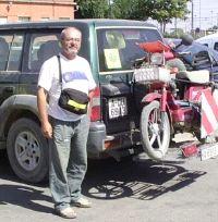EN EL CAMINO. Paco Serra en su reciente viaje. / LA VERDAD