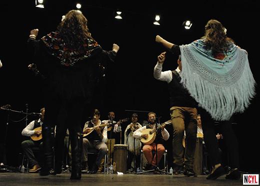 Actuación estelar de Algazara de Candeleda (Ávila) que puso el broche de oro./ Luis FALCÓN